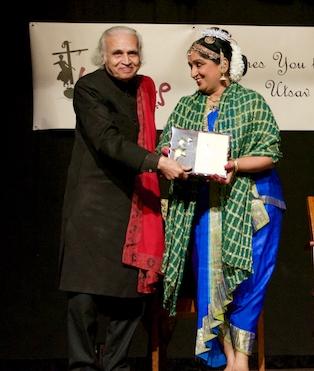 Smt. Sheela Chandrashekhar awarded Life Time achivement award by Dr. Sunil Kothari